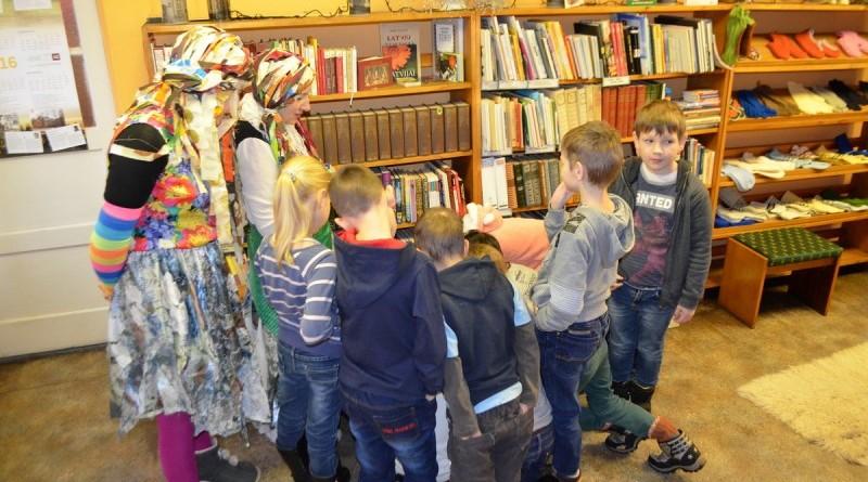 Lupatinu rits_Sabiles bernu bibliotekaa (8)-001