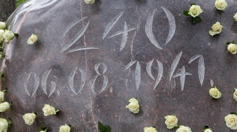 Holokausta upuru pieminas zimes atklasana (29)