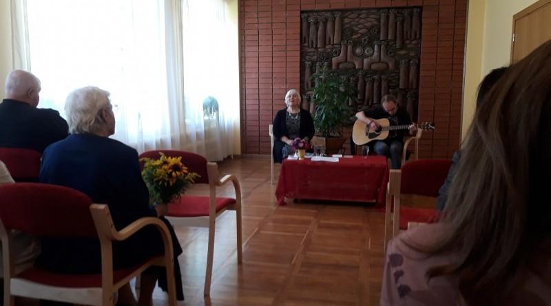 Jana_Egle_dzejiski_muzikals_pa_7