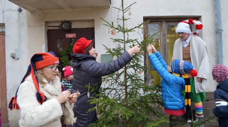 Sabiles bernu biblioteka_Ziemassvetku rotajumu gatavosana (16)