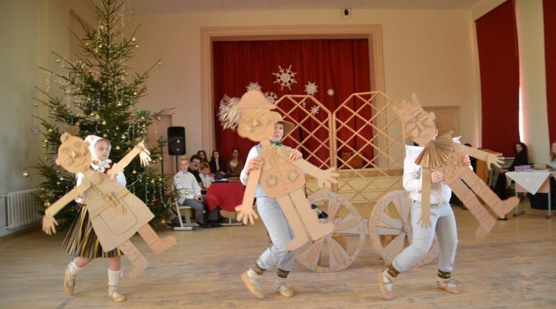 Ziemassvētki Sabiles pamatskolā (12)