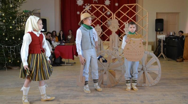 Ziemassvētki Sabiles pamatskolā (13)