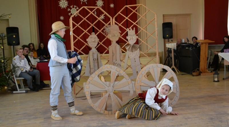 Ziemassvētki Sabiles pamatskolā (14)