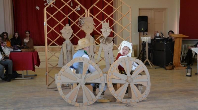 Ziemassvētki Sabiles pamatskolā (15)