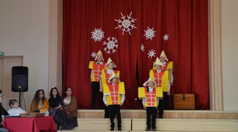 Ziemassvētki Sabiles pamatskolā (18)