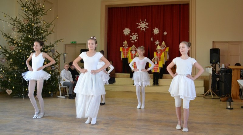 Ziemassvētki Sabiles pamatskolā (19)