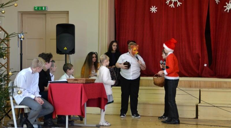 Ziemassvētki Sabiles pamatskolā (22)