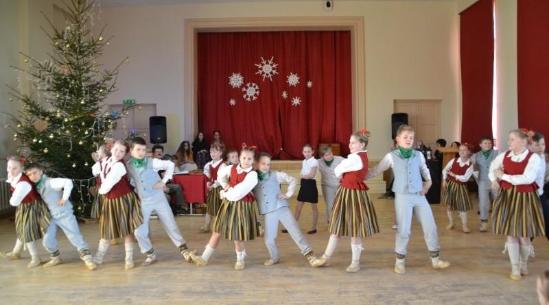 Ziemassvētki Sabiles pamatskolā (27)