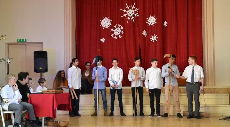 Ziemassvētki Sabiles pamatskolā (29)