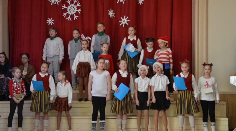 Ziemassvētki Sabiles pamatskolā (30)