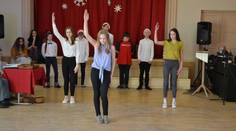 Ziemassvētki Sabiles pamatskolā (32)