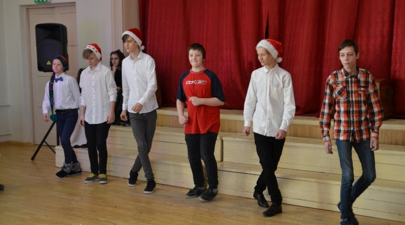 Ziemassvētki Sabiles pamatskolā (33)