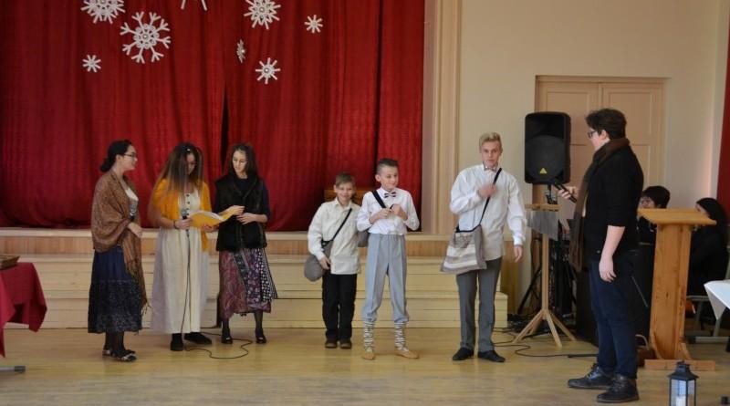 Ziemassvētki Sabiles pamatskolā (5)