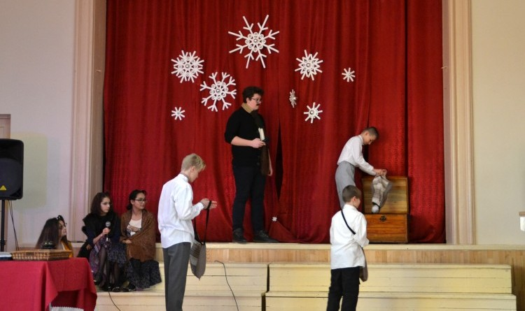 Ziemassvētki Sabiles pamatskolā (6)