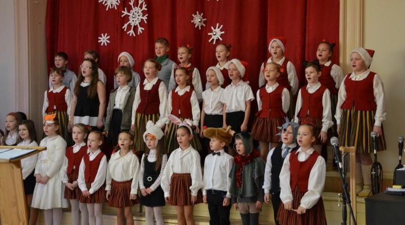 Ziemassvētki Sabiles pamatskolā (8)