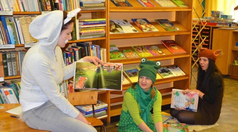 Pirmklasnieku iepazistinasana ar biblioteku (3)