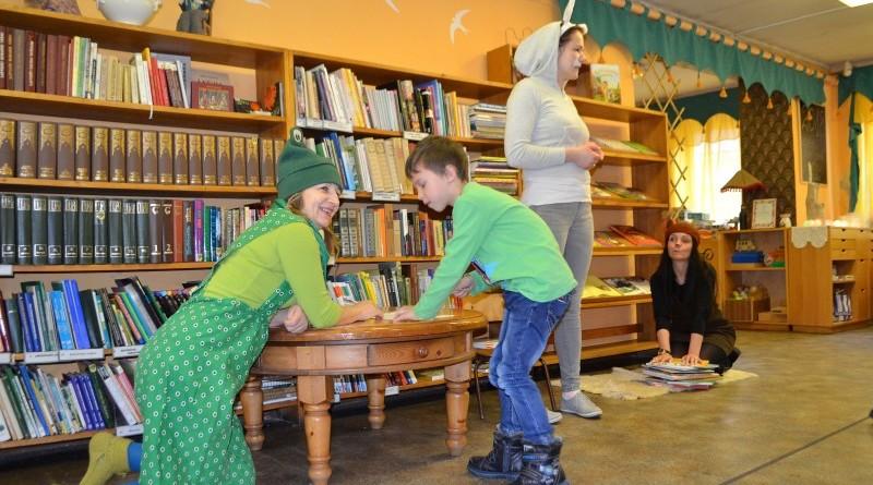 Pirmklasnieku iepazistinasana ar biblioteku (5)
