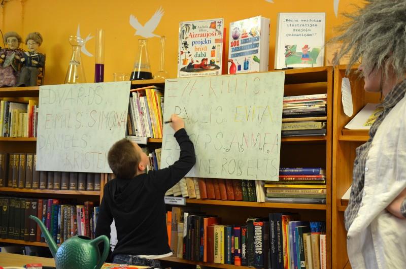 Eksperimentu diena Sabiles bernu bibliotekaa (5)