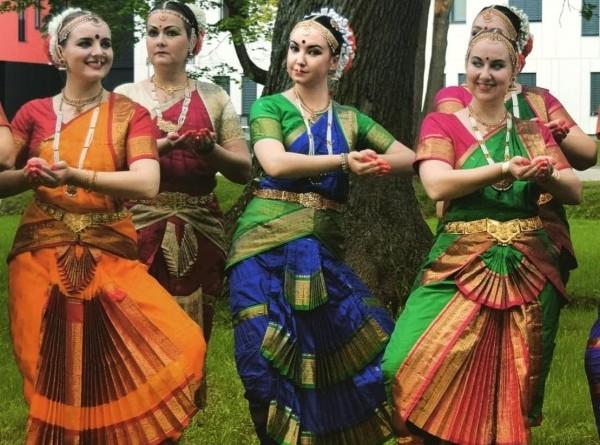 Indijas dejas