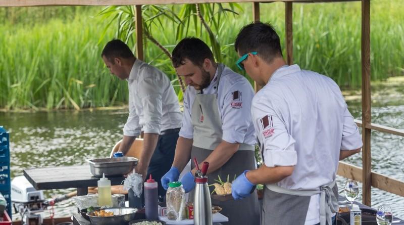 Kuk Buk pop up restorans uz Sabiles plosta Sabiles Vina svetkos (2)