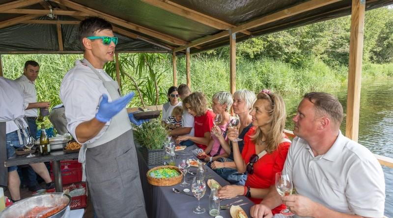 Kuk Buk pop up restorans uz Sabiles plosta Sabiles Vina svetkos (8)