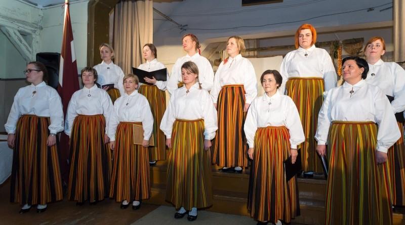 Latvijas valsts simtgades svinības Abavas tautas namā 2018. gada 17. novembrī (14)