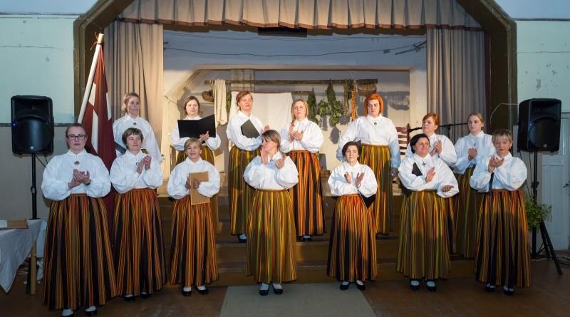 Latvijas valsts simtgades svinības Abavas tautas namā 2018. gada 17. novembrī (18)
