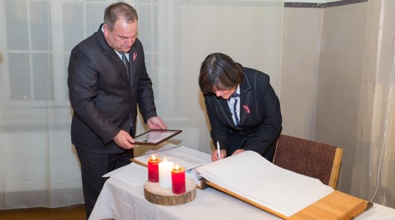 Latvijas valsts simtgades svinības Abavas tautas namā 2018. gada 17. novembrī (24)