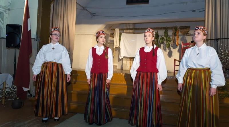 Latvijas valsts simtgades svinības Abavas tautas namā 2018. gada 17. novembrī (28)