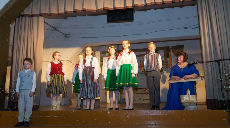 Latvijas valsts simtgades svinības Abavas tautas namā 2018. gada 17. novembrī (4)
