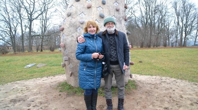 Ojāra Feldberga Latvijas simtgadei veltītā vides mākslas objekta 99+1=100 atklāšana (14)