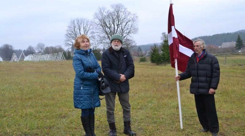 Ojāra Feldberga Latvijas simtgadei veltītā vides mākslas objekta 99+1=100 atklāšana (3)