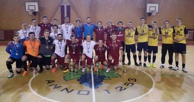 Telpu futbola sezonas atklāšanas turnīrs pieaugušajiem
