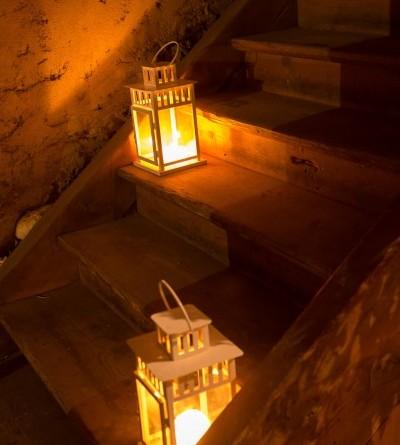 Sarades namiņa veidotājas iepazīstina ar Sabilē decembrī plānoto Dāvantirgu ar rozīnīti (42)