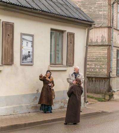 Senas fotogrāfijas Sabilē uz Rīgas ielas (6)