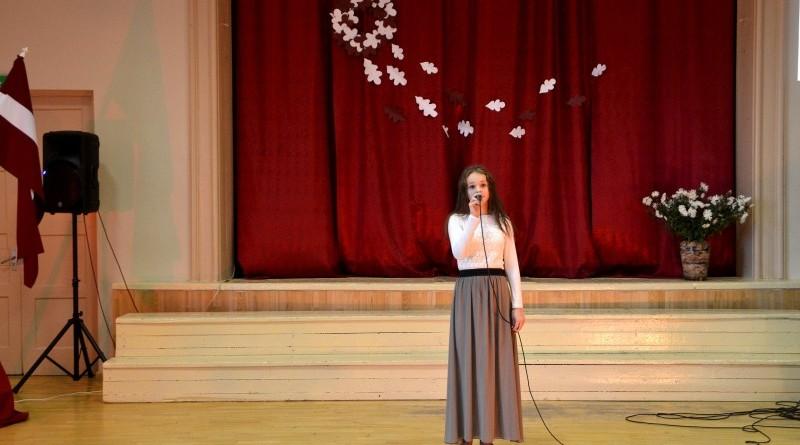 Valsts svētku koncerts Sabiles pamatskolā (6)