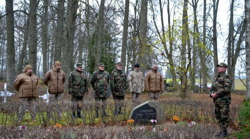 Zemessardzes veterānu organizētais piemiņas brīdis Valgales kapos_ 11_novembris (1)