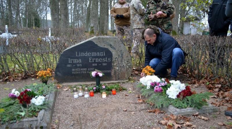 Zemessardzes veterānu organizētais piemiņas brīdis Valgales kapos_ 11_novembris (12)