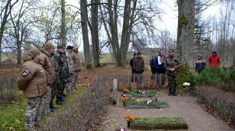 Zemessardzes veterānu organizētais piemiņas brīdis Valgales kapos_ 11_novembris (2)