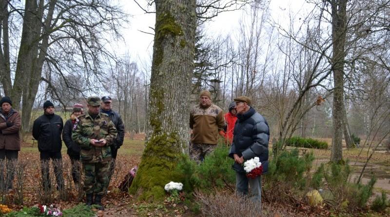 Zemessardzes veterānu organizētais piemiņas brīdis Valgales kapos_ 11_novembris (6)