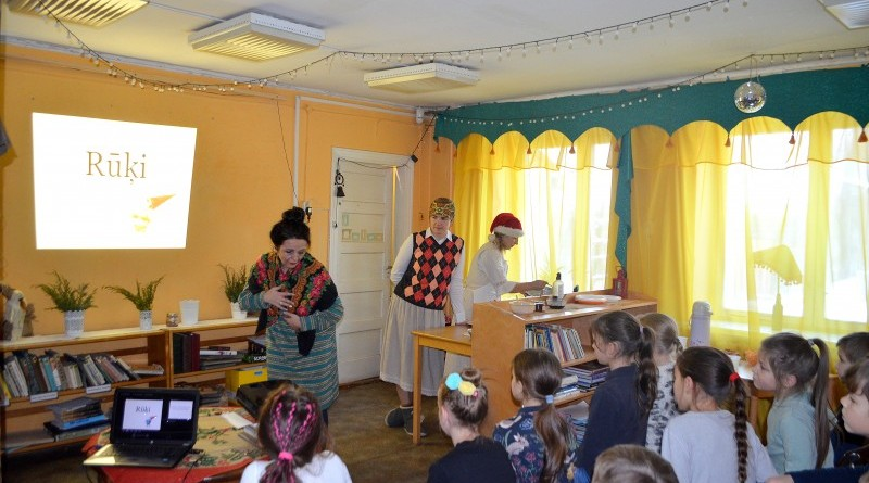 Sabiles Bērnu bibliotēka_Pasākums par rūķiem_2018_decembris (1)