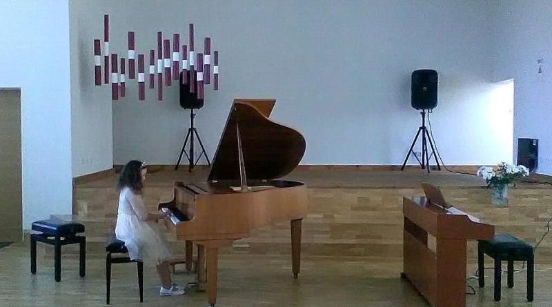 Sabiles Mūzikas un Mākslas skolas audzēkne festivālā