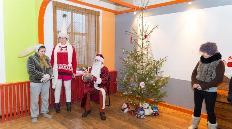 Sabiles kultūras nams un draugi Ziemassvētkos sveic Sabiles pensionārus_2018_decembris (11)