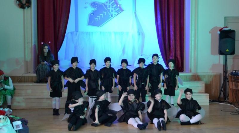 Ziemassvētku eglītes pasākums Sabiles pamatskolā (2)