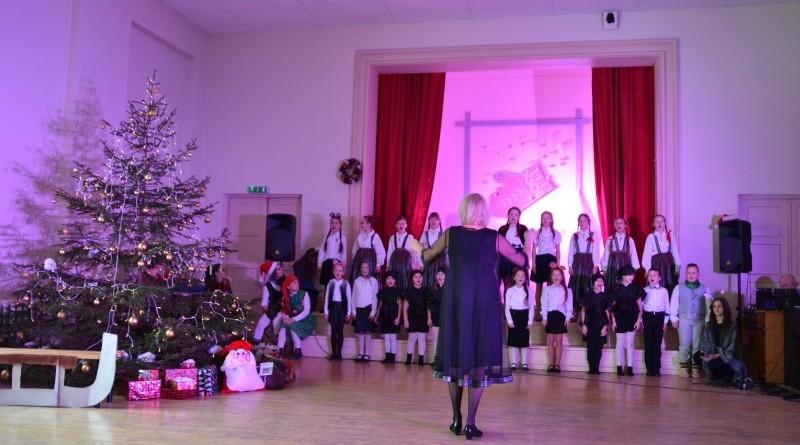Ziemassvētku eglītes pasākums Sabiles pamatskolā (5)