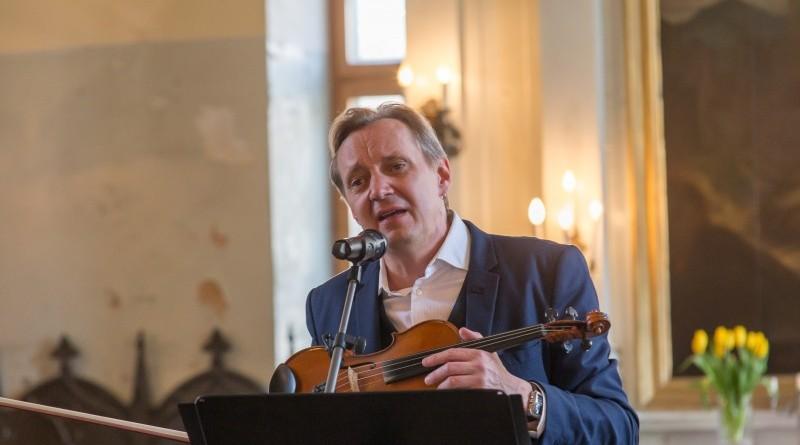 Janis Lusens un Zigfrids Muktupavels_Sabile_Labdaribas koncerts_Sarades namina atjaunosanai_2019_22 aprilis (12)