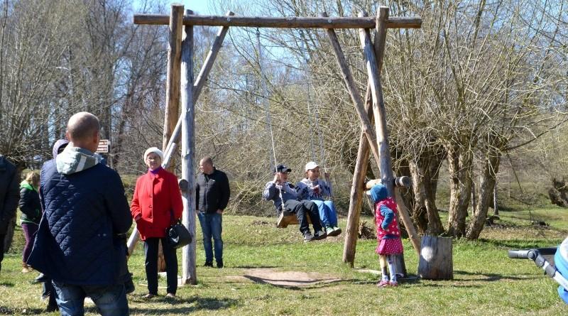Lieldienas Sabilē_Zem vītoliem pie tilta_2019_21 aprīlis (8)