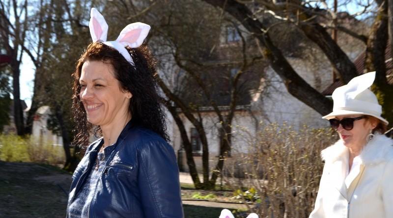 Sabile_Zaķu gājiens uz senioru namiņu Kalme_2019_18 aprīlis (4)