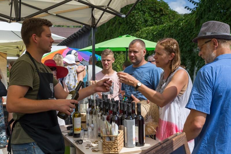 Sabiles Vīna svētku tirgus