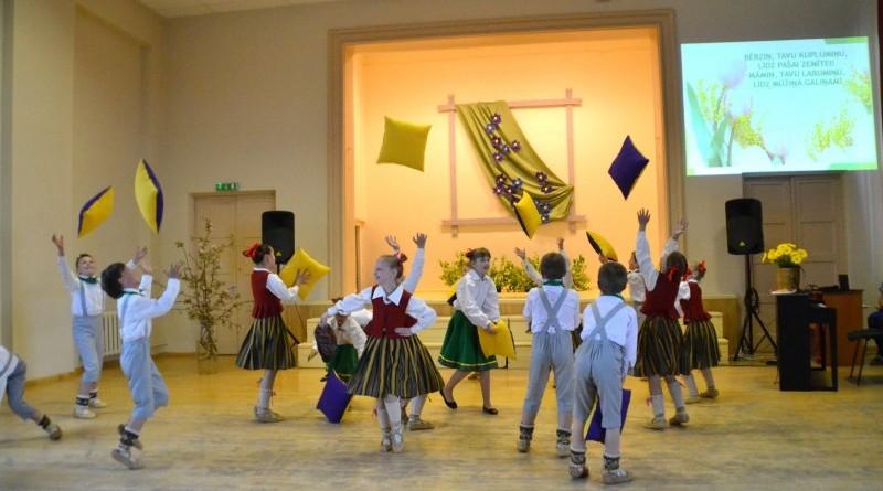 Sabiles pamatskola_Mates dienas koncerts_2019_10 maijs (12)